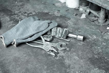 Auto warranty mechanic tools